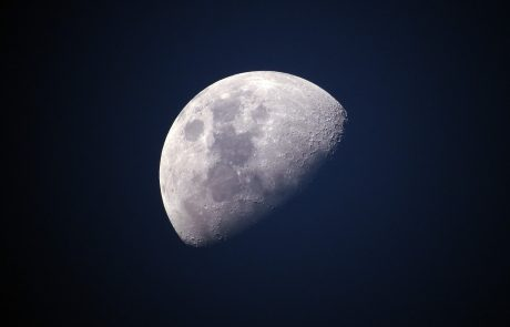 Nuclear reactor could power human settlements on the Moon