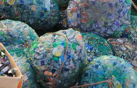 UK corporations pledge to reduce plastic packaging