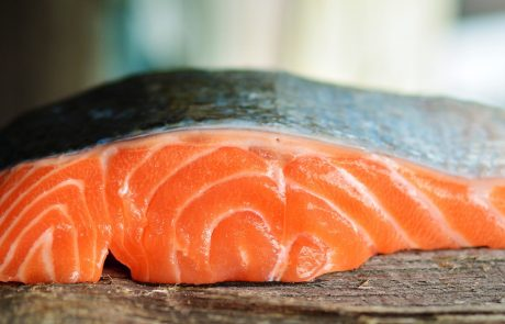 Eating oily fish linked to later onset of menopause