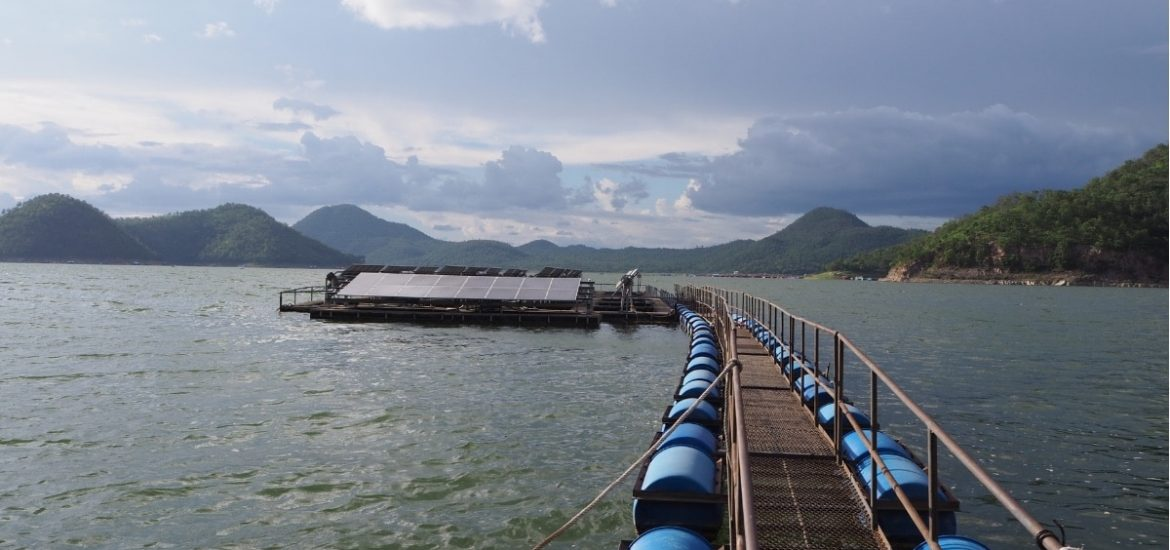 Floating 'solar methanol islands' for recycling CO2 into usable fuel