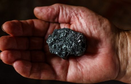 A breakthrough in carbon capture and storage: turning CO2 into coal